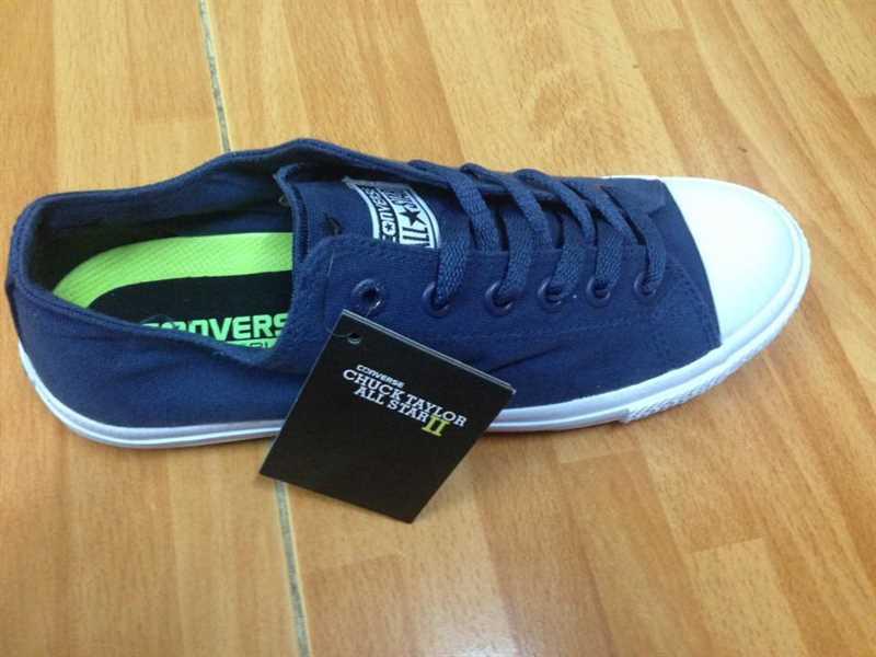 Giày converse chuck taylor 2 màu xanh dương cổ thấp 2