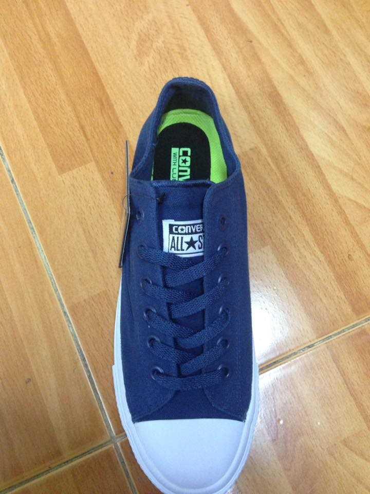 Giày converse chuck taylor 2 màu xanh dương cổ thấp 3