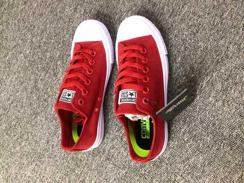 Giày converse chuck taylor 2 màu đỏ cổ thấp 1