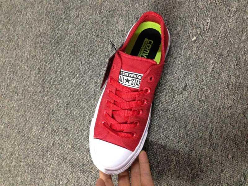 Giày converse chuck taylor 2 màu đỏ cổ thấp 2