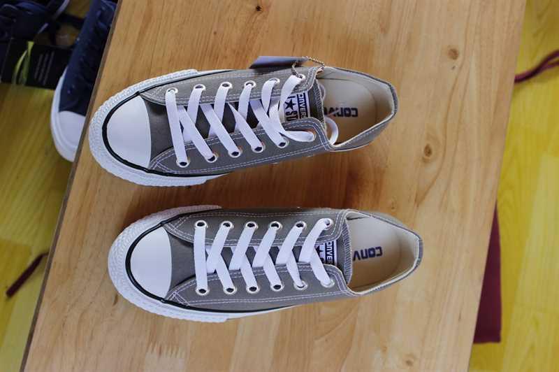Giày Converse Classic Thấp Cổ Màu Ghi