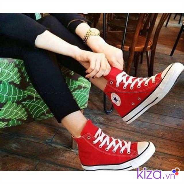 Nữ tính hơn với giày converse màu đo