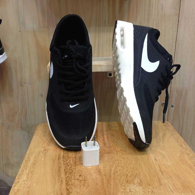 Giày Nike Air Max Thea đen trắng 02
