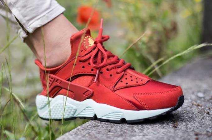 Giày Nike Huarache đỏ trắng 002