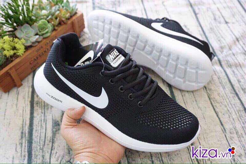 Giày Nike Zoom màu đen 1