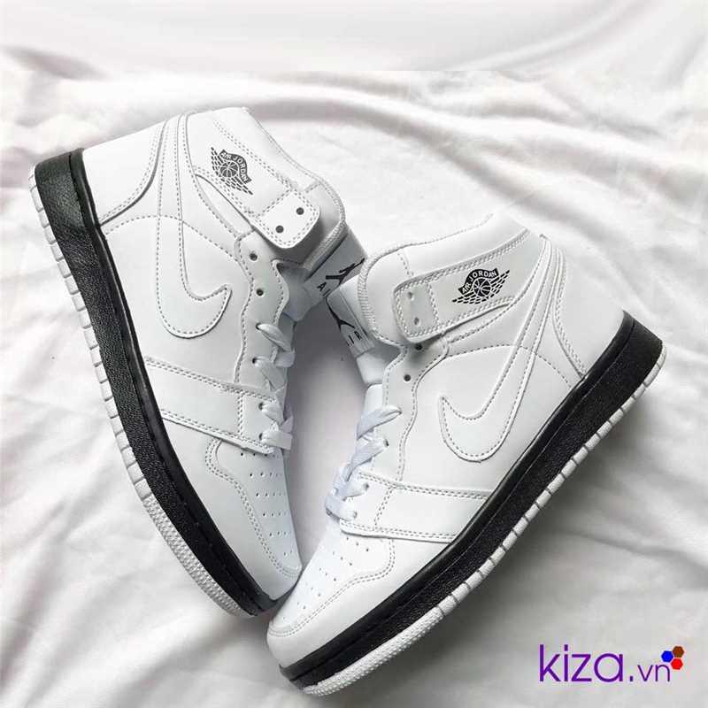 giày nike jordan 1 màu trắng đế đen