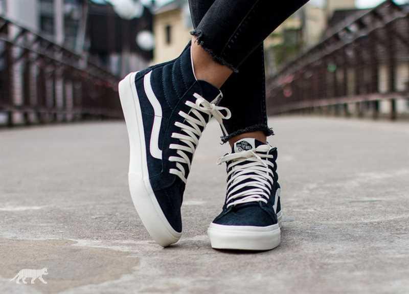 Giày Vans Old Skool phối màu đen trắng cao cổ