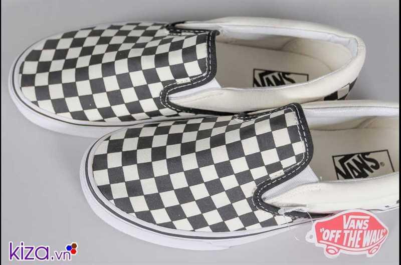 Giày Vans lười caro phối màu đen trắng 2