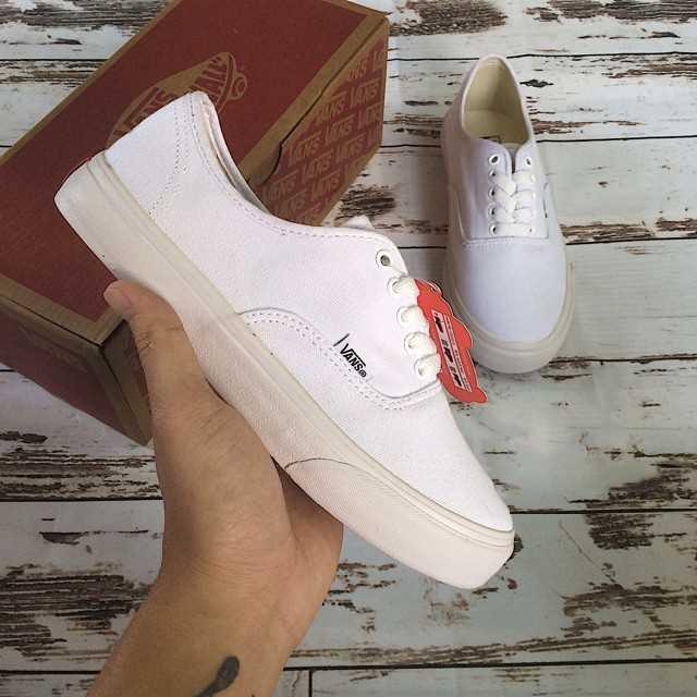 mua giày vans classic màu trắng giá rẻ đẹp 001