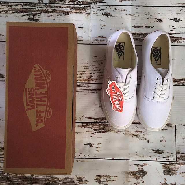 mua giày vans classic màu trắng giá rẻ đẹp 003